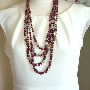 Jewelry - Shimmering beaded necklace
